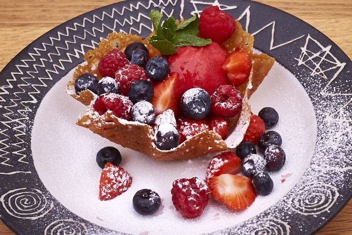 Brandy Snap Baskets with Raspberry Sorbet and berries