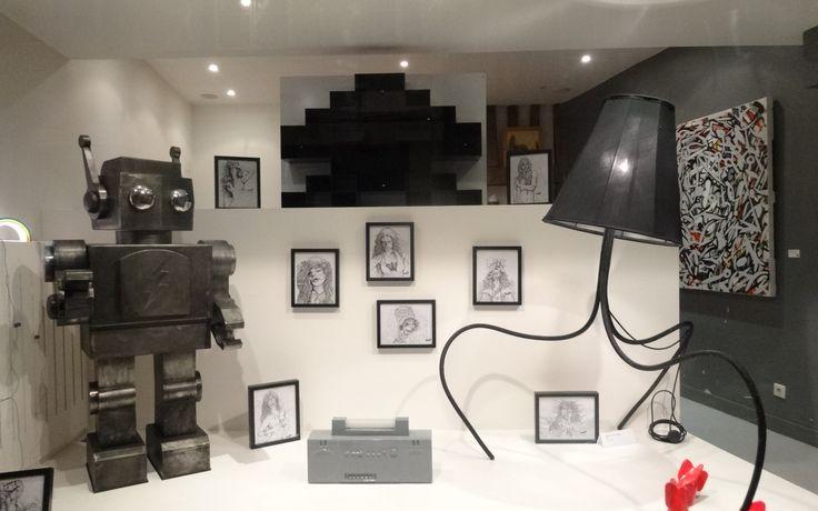 Notre Robot W.I.P fait la star en vitrine d'une exposition...