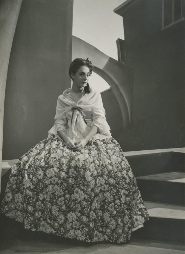 Ellie Lampeti