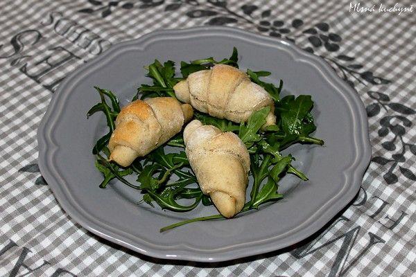 Mlsná kuchyně: Mini rohlíčky plněné ricottou a rukolovým pestem