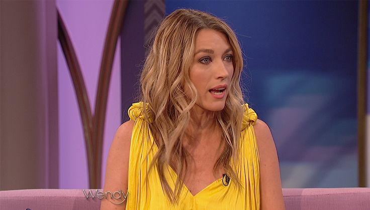 Natalie Zea on Marriage, Motherhood & The Detour | The Wendy Williams Show