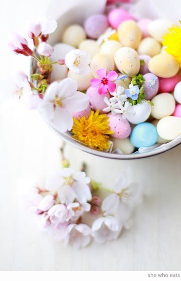 pastel Easter eggs and cottage garden flowers by Chika (she who eats blog).