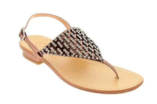 Ferrara, sandalo basso caprese tacco 20mm infradito con dettaglio di strass, allacciato alla caviglia e fondo in cuoio. #ferrara #shoes #sandali