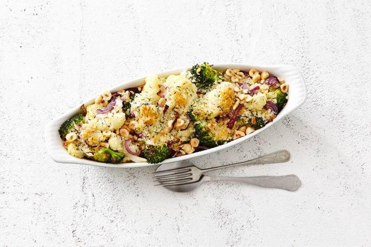 Met een krokante bite van panko en hazelnoten tover je bloemkool en broccoli om tot een feestmaal - Recept - Allerhande
