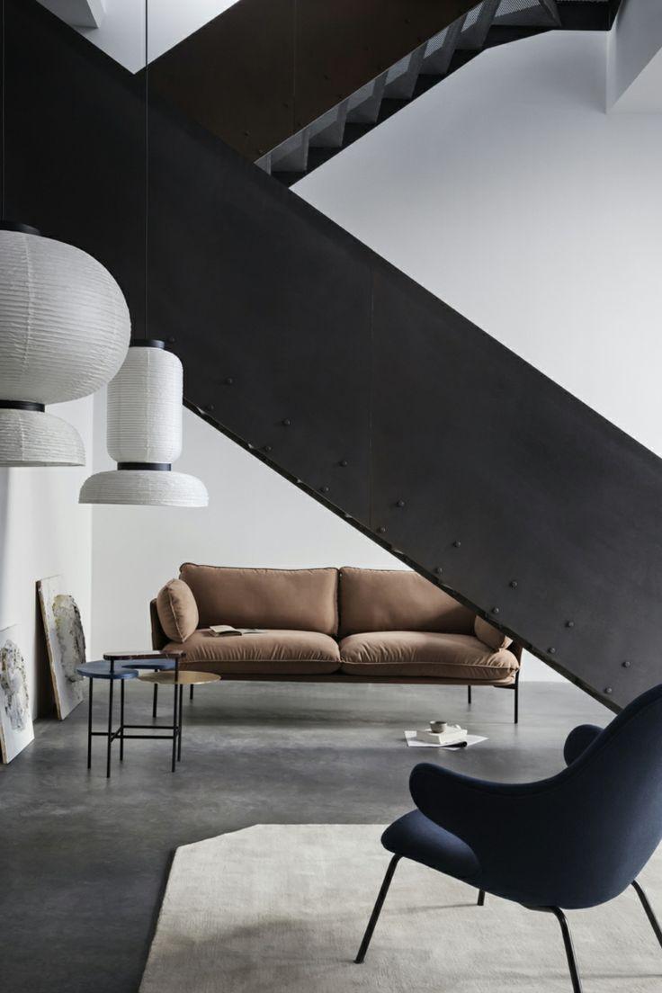 Treppe Betonboden Sofa Sessel Wohnzimmer