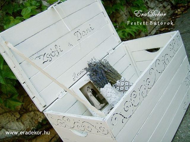 Esküvőre provence-i stílusú, festett antikolt nászajándék láda. Fotó azonosító: ESKNOR05