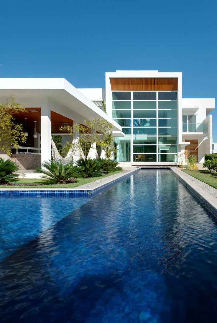 Brazilian studio Dayala + Rafael Arquitetura has designed the Aldeia 051 home is located in Goiânia