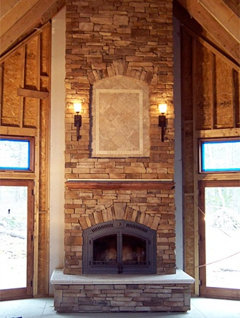Wood/Pellet Stove + Big Fireplace + Climbable Rock