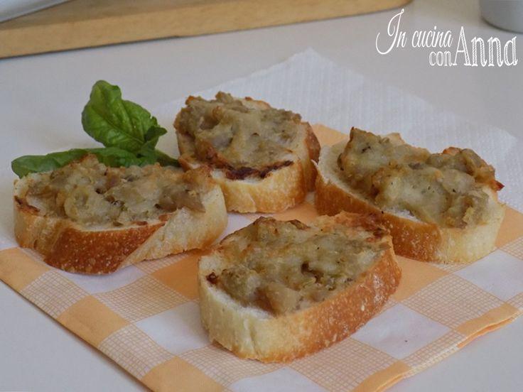 Quest'estate durante le vacanze siamo passati per la Toscana e ospiti a pranzo abbiamo assaggiato queste sfiziosissime bruschette alla toscana,è stato amore al primo assaggio...