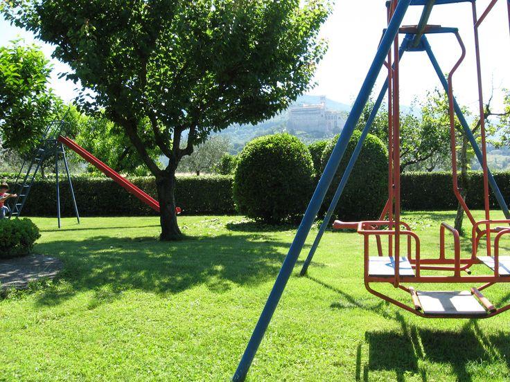 Giardino con parco giochi e Baby Park con vista sulla Basilica di San Francesco