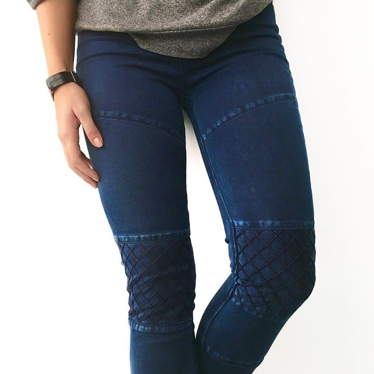 We're all about these super comfy leggings with incredible details!