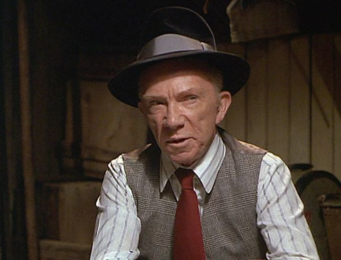 The sting | ray walston the sting 1973 ray walston as jj i don t know what to do ...
