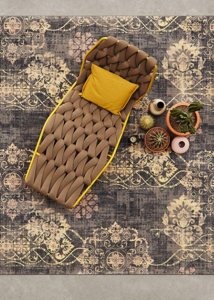 Wat een uitstraling heeft dit karpet van bovenaf! Het mooie is dat we in onze winkel nog meer Bonaparte vloerkleden hebben!