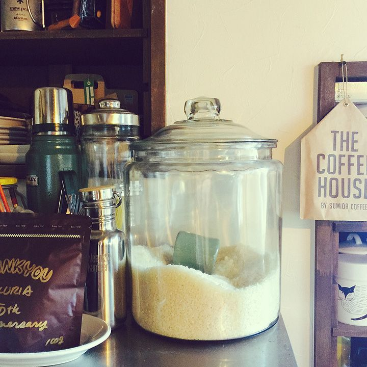 RoomClipユーザーの素敵なキッチンを紹介する「憧れのキッチン」連載。 今回は、和風住宅をリノベーションし、安らぎの昭和ミックスインテリアを楽しまれているPEさんご自慢のキッチンをご紹介します。