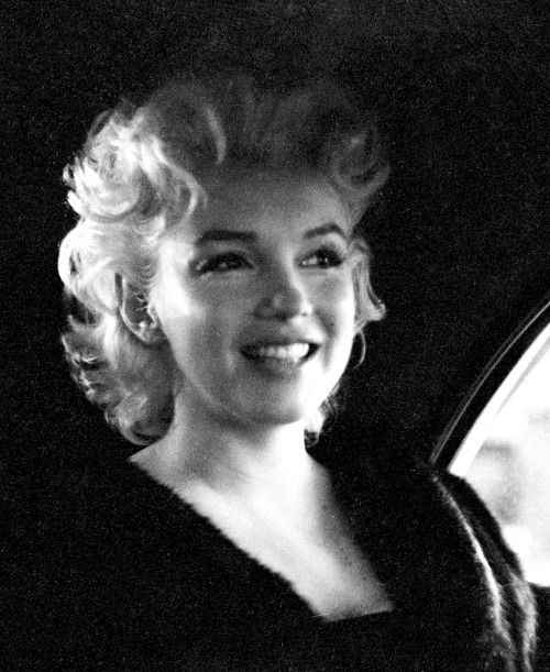""" Marilyn Monroe in New York photographed by Ed Feingersh, 30th March 1955. """