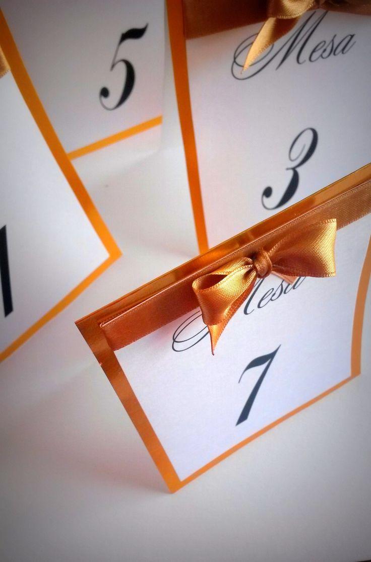 Números de mesa de papel 10x13 con cinta y moño de raso #numerosdemesa #papel #indicadores #numbers #numeros #mesa #table #centrosdemesa #casamientos #15años #bodas #eventos #fifteen #mesadelosnovios