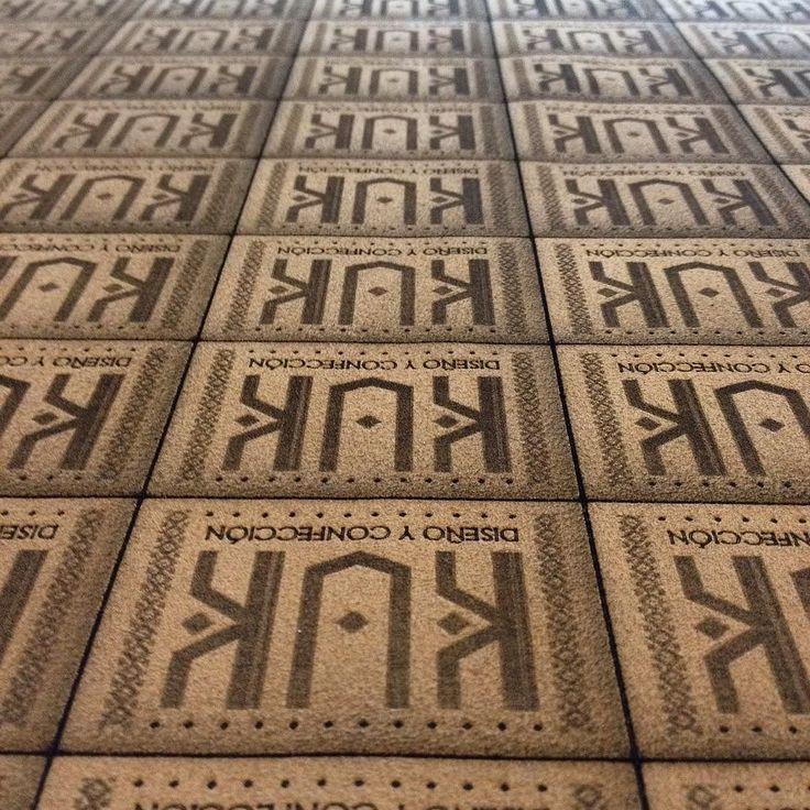 Etiquetas grabadas en cuero para el bonito trabajo de @kukartcl knife bag. #cuero #leather #láser #lasercut #lasercutting #lasercutter #grabado #diseño #knifebag #chef by estudiopanacea