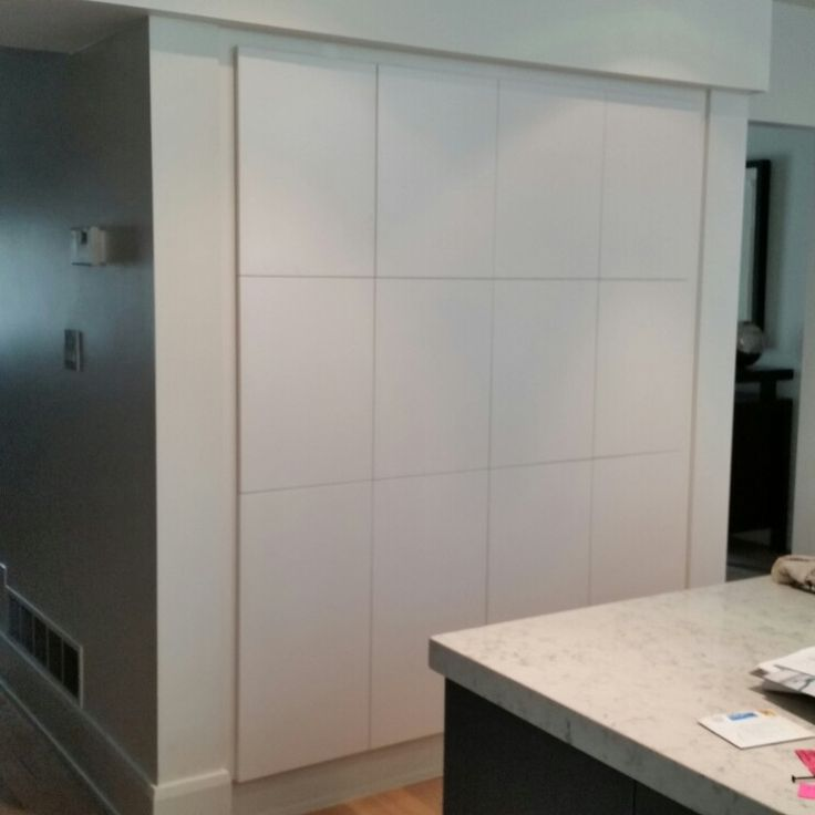 Chalk Painted Kitchen Cabinets 2 Years Later: Push To Open Cabinet Doors Painted To Match BM OC 17