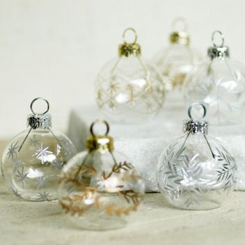 Christmas Bulb Placecard Holder And Thank You Gift