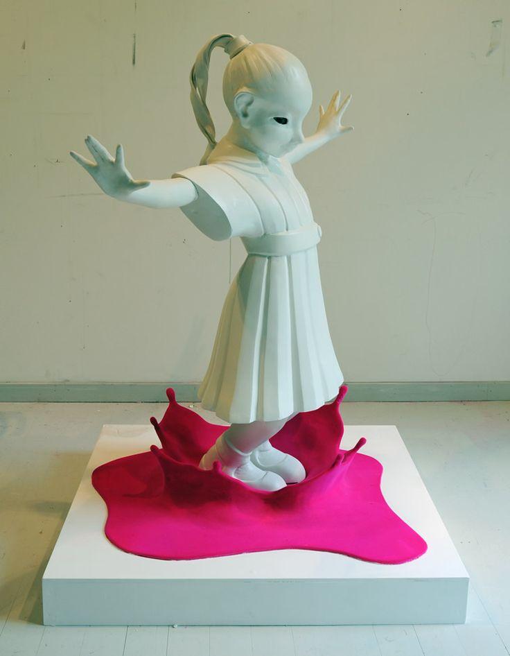 Magenta Puddle, 2012, ceramics, nylon fiberSpitting, 2006 Kim Simonsson