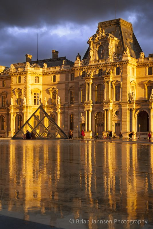 Sunlight and reflections at Musse du Louvre, Paris France. © Brian Jannsen Photography