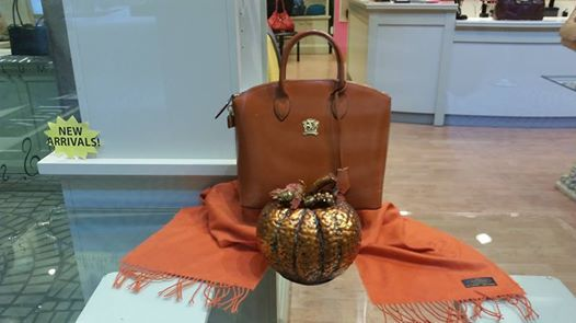 Great Fall bag by Pratesi. Comes in multiple colors!