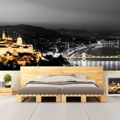 Fototapetul personalizat  Budapesta este perfect pentru a decora integral un perete din casa ta sau dintr-un alt spatiu: bar, restaurant, hotel, birou s.a.