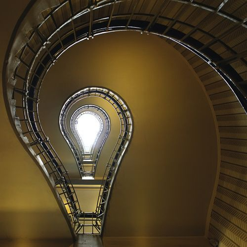 Light bulb shaped spiral staircase