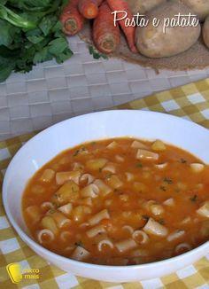 PASTA E PATATE - POTATO AND PASTA SOUP #pasta #patate #minestra #densa #cremosa #foodporn #potato #soup #italian #italy #ricetta #recipe #ilchiccodimais https://blog.giallozafferano.it/ilchiccodimais/pasta-e-patate-ricetta-vegetariana/
