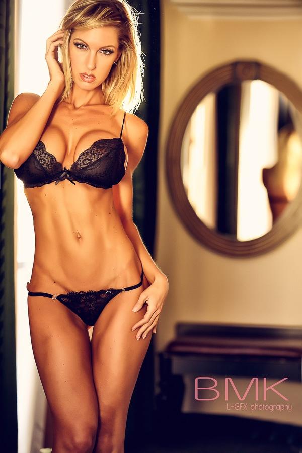 Hot Abs Babe 3