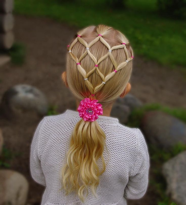 Elastic style into ponytail with curls . Gorgeous bow from @tuppene