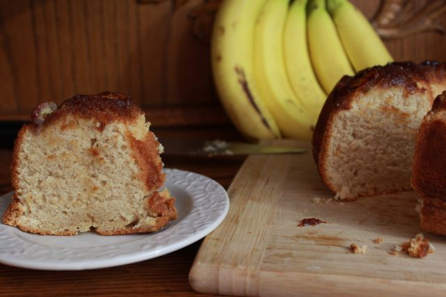 Peanut Butter Banana Honey Upside Down Cake | saraheatsaustin