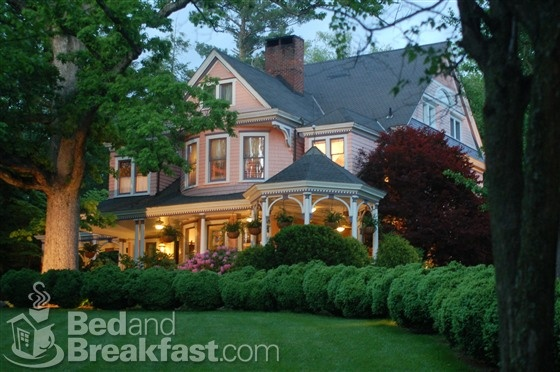 Beaufort house inn in asheville north carolina elegant for Cheap cabin rentals in asheville nc