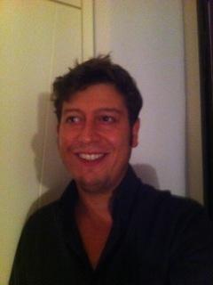 Massimiliano Cammuso - nato a Napoli  Appassionato di Nuove Tecnologie, Arte contemporanea e Web. Fondatore di RomeGalleryTours, piattaforma per la promozione delle attività delle gallerie private e Fondazioni di arte contemporanea e organizzatore di gallery tours privati. Fondatore di VisibleCloudLive, software per la visualizzazione dinamica dei contenuti dai vari social network. Regista e Produttore cinematografico indipendente per la Fantaproduction. #InvasioniDigitali