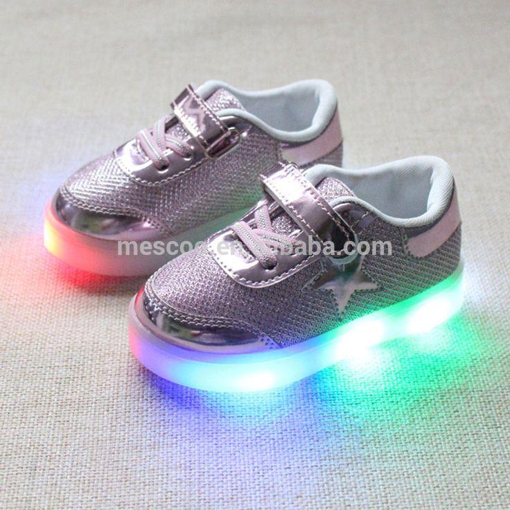 Çocuklar rahat ayakkabılar erkek kız döngü katı renk sneakers bebek moda LED ışık spor ayakkabı flaş işık ile martin çizmeler