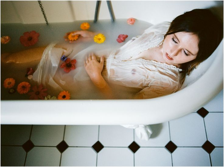 Agree Naked women on the bathtub day, purpose