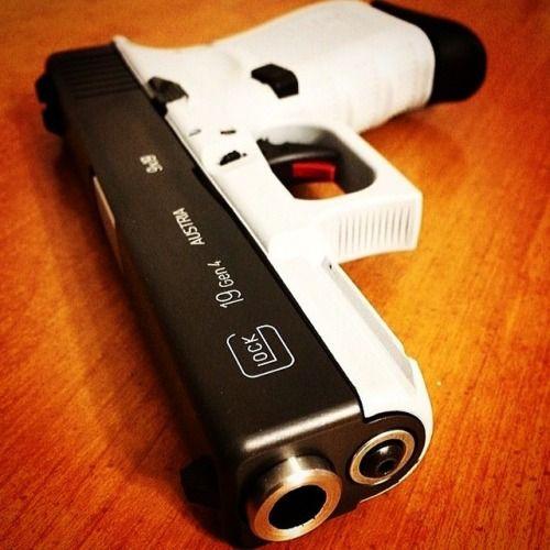 Glock 19 Gen 4.. Black & White lookin' good together.. Guns & Ammo Magazine