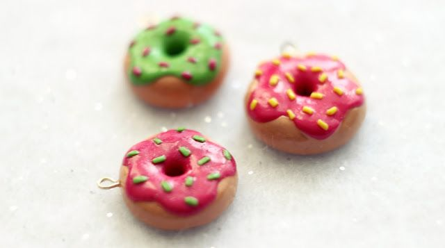 polymer clay cute doughnut charms http://kateskraftblog.blogspot.co.uk/