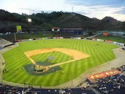 Resultado de imagen para imagenes de estadios de beisbol en estados unidos
