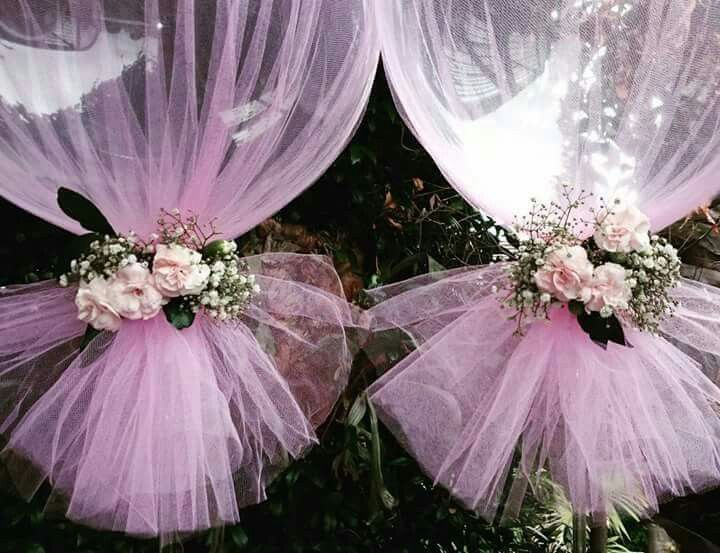 Balloons wrapped in tulle; really cute! ❤                              …