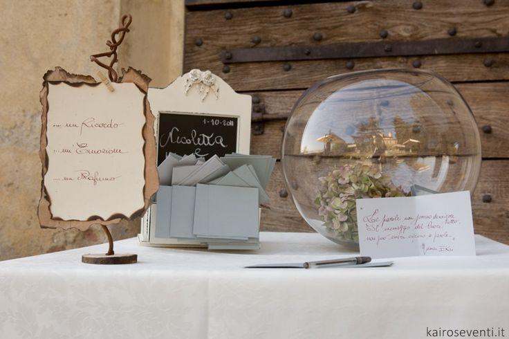 Guest book. Wedding designer & planner Monia Re - www.moniare.com | Organizzazione e pianificazione Kairòs Eventi -www.kairoseventi.it | Foto Claudio Bonicco