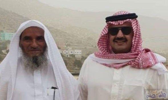 الأمير تركي بن طلال يزور صاحب إحدى المزارع بوادي سدوان Winter Hats Fashion Hats