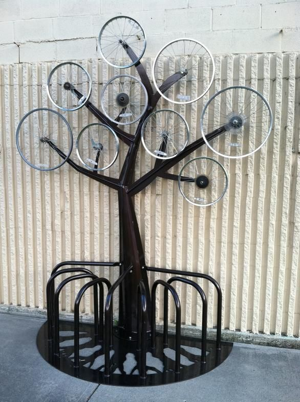 outside-the-circle bike rack