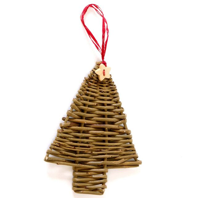 Woven willow Christmas tree £4.50
