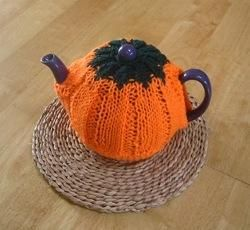 DIY Halloween : DIY Pumpkin Tea Cozy DIY Halloween Decor
