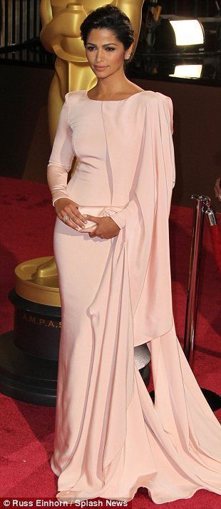 Oscar dresses turned to Wedding dresses? Yes! Camilla
