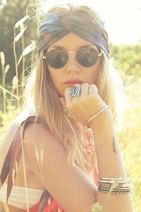 Scopri attraverso questi 30 look come indossare turbanti e fasce di stoffa, vero trend estivo