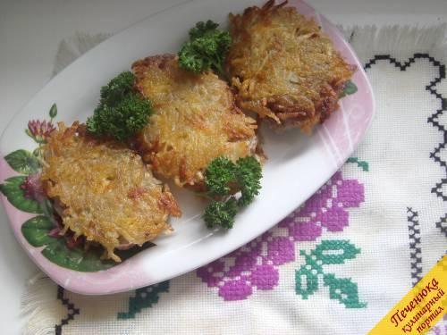 Свиные отбивные в тертом картофеле