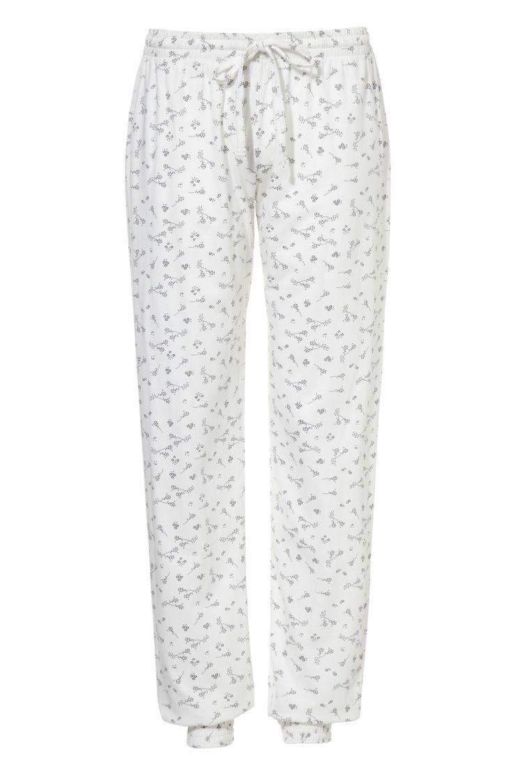 Deze broek ziet er niet alleen romantisch uit, maar is ook heerlijk om in te slapen!
