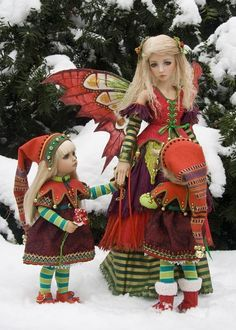 Holly And The Elves.